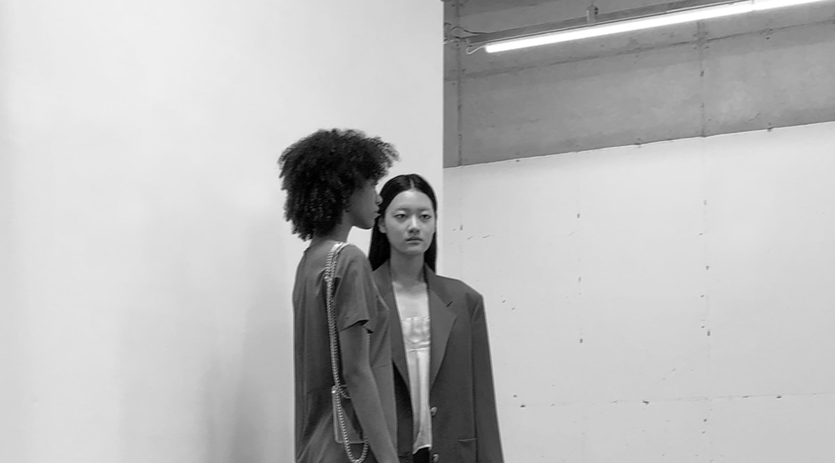 BEHIND THE SCENES AT THE WOMEN'S SPRING-SUMMER 2021