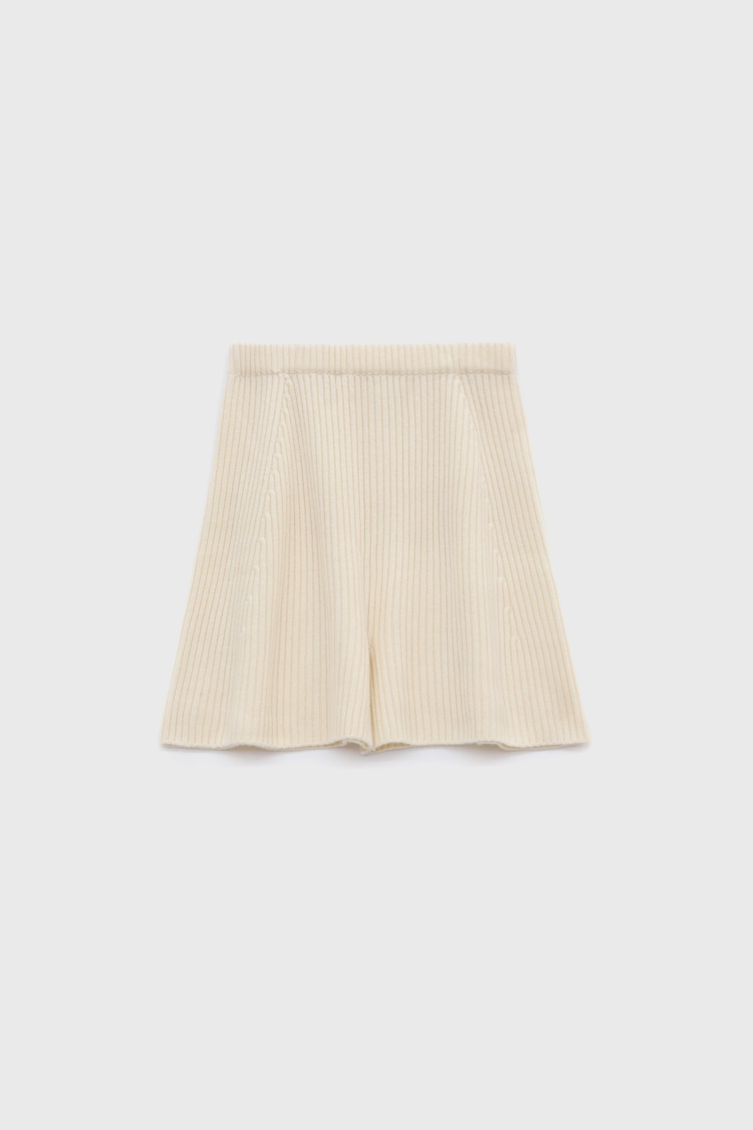 Knit short pants